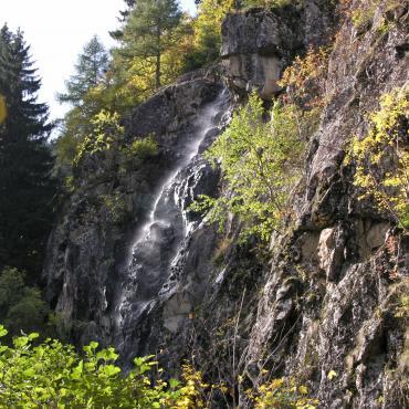 Zona cascata Pisador