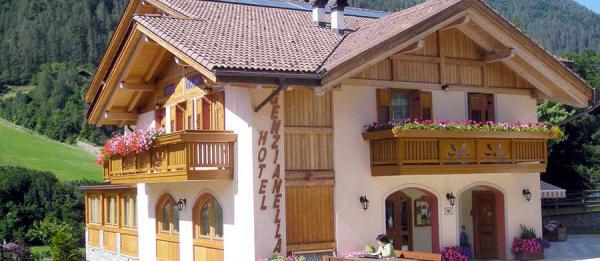 hotel-commezzadura-genzianella